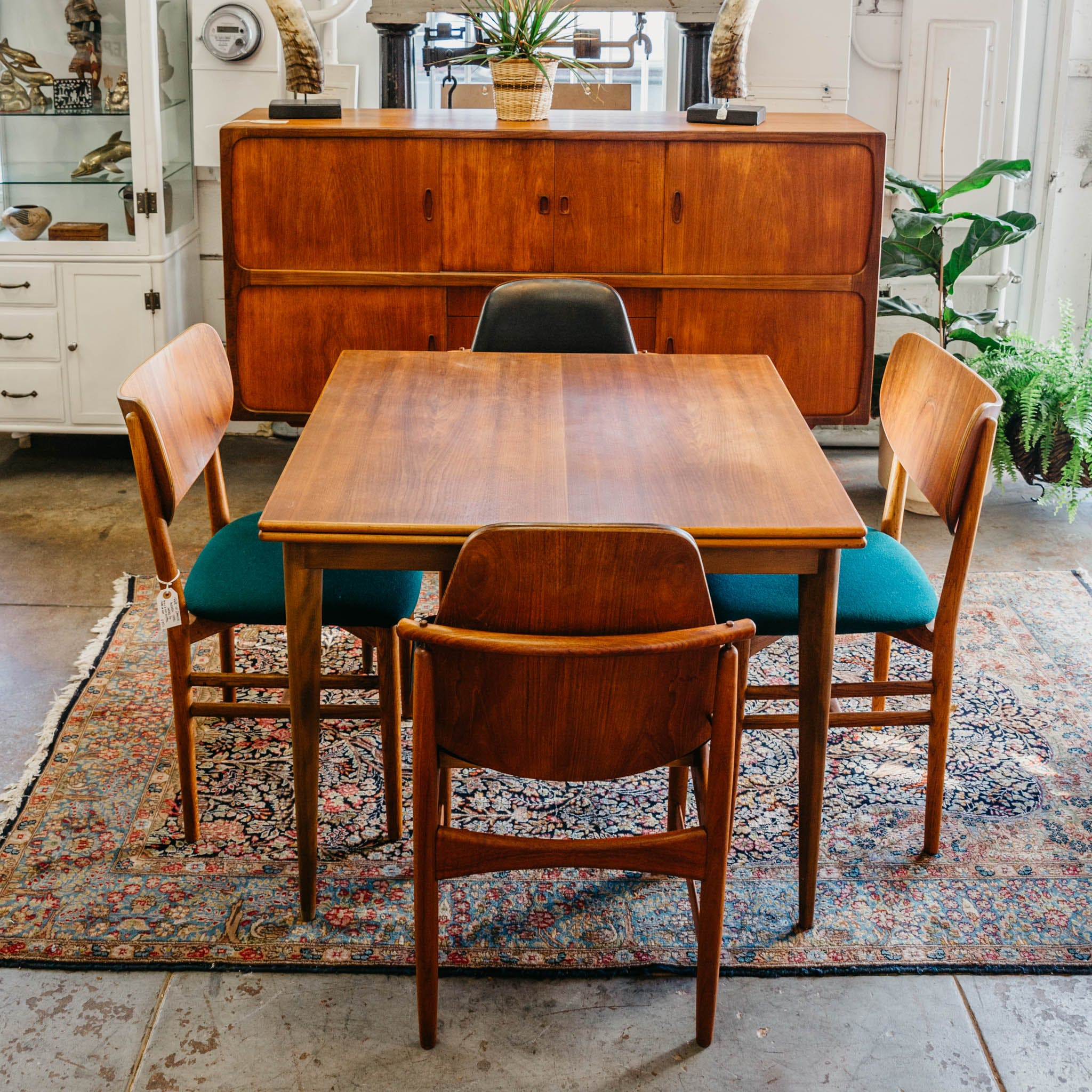 Flip top dining room table
