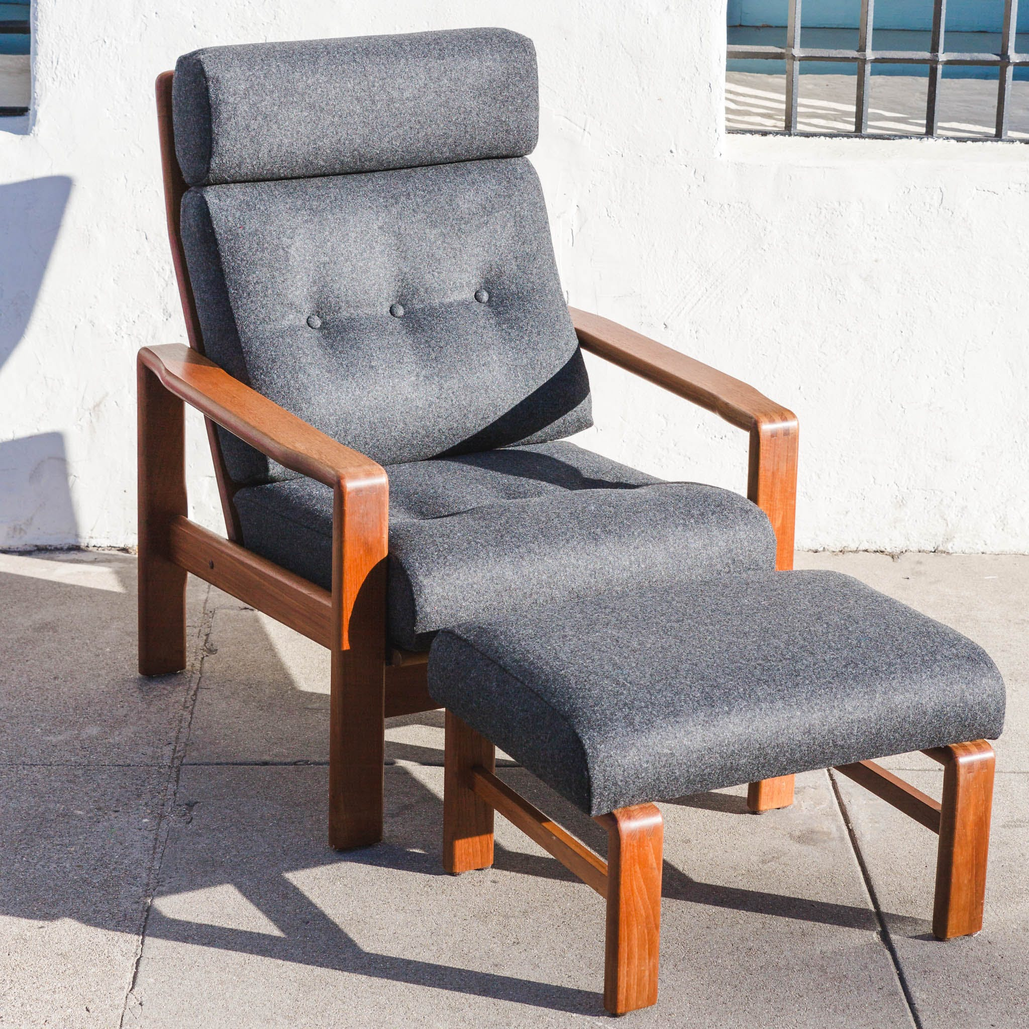 Strange Mid Century Upholstery And Teak Lounge Chair And Ottoman Pabps2019 Chair Design Images Pabps2019Com